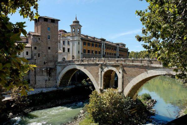 1200px-Ponte_Fabricio_Rome_Pierleoni