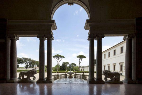 Villa-Medici_Loggia--Patrick-Tourneboeuf_Tendance-Floue-1